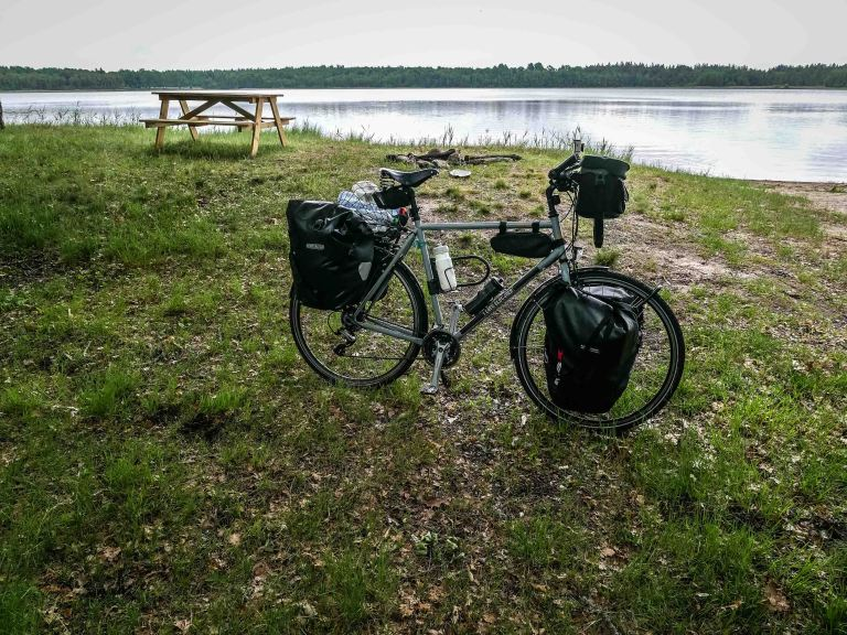 Sweden-lake-bike_12