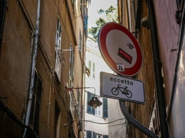 A smart city. Cyclists are welcome in the narrow streets of the old town. Though some streets are so narrow you can't even get your bike trough.