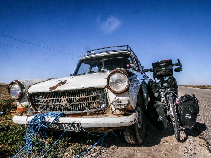 La voiture coloniale
