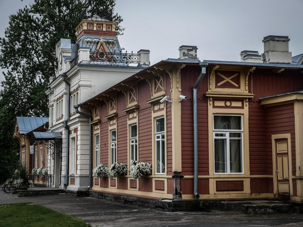 Estonia-Haapsalu-old-railway-station